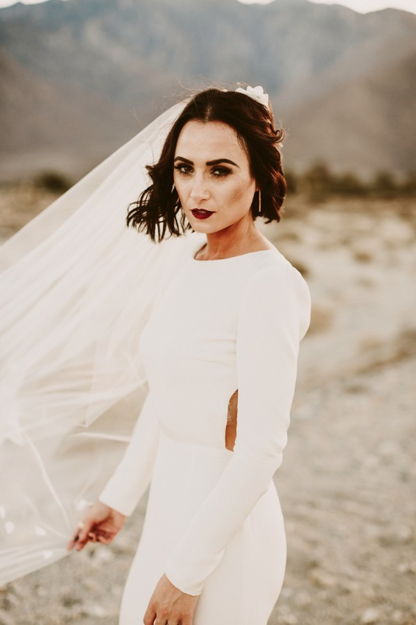 chic-palm-springs-destination-wedding-at-colony-palms-hotel-45