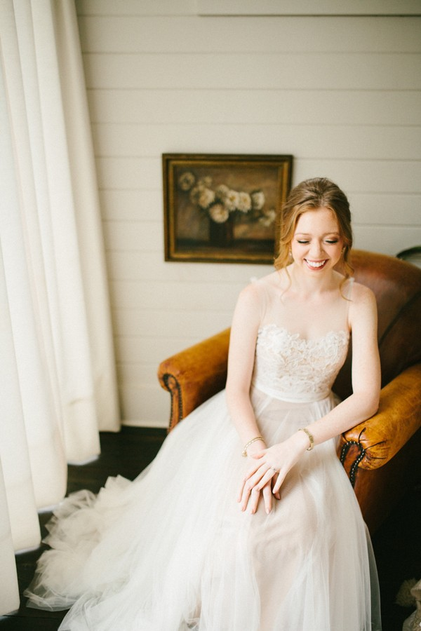 delicate-details-and-a-bhldn-gown-stole-our-hearts-in-this-bloomsbury-farm-wedding-11