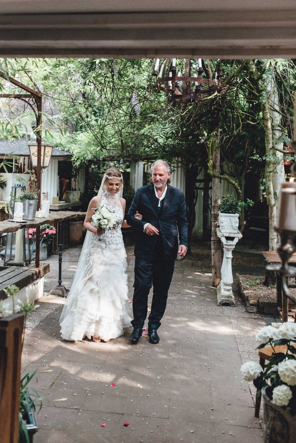elegant-boho-german-biergarten-wedding-at-la-du-12