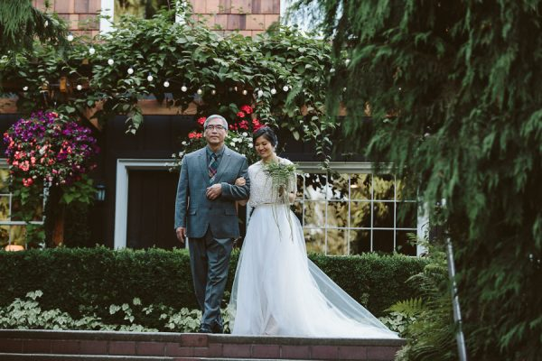 find-the-height-of-woodland-elegance-in-this-robinswood-house-wedding-24