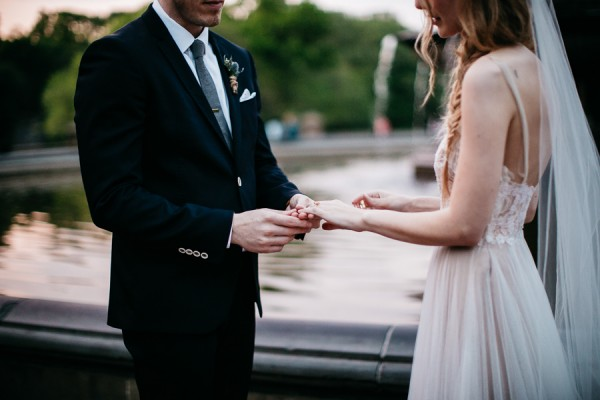 from-the-brooklyn-bridge-to-central-park-this-nyc-elopement-took-our-breath-away-21