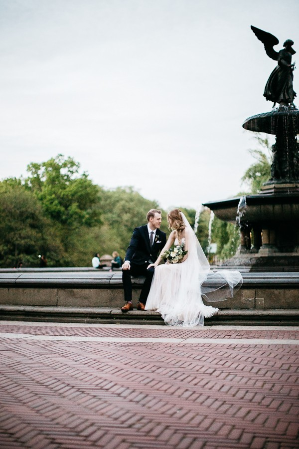 from-the-brooklyn-bridge-to-central-park-this-nyc-elopement-took-our-breath-away-25