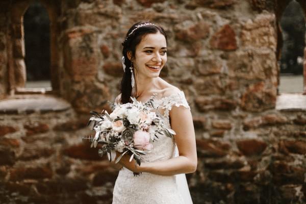 romantic-antique-german-wedding-at-kloster-nimbschen-23
