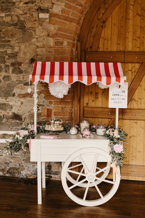 romantic-antique-german-wedding-at-kloster-nimbschen-24