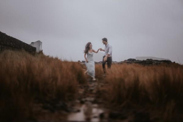 sensual-island-couple-portraits-in-portugal-2