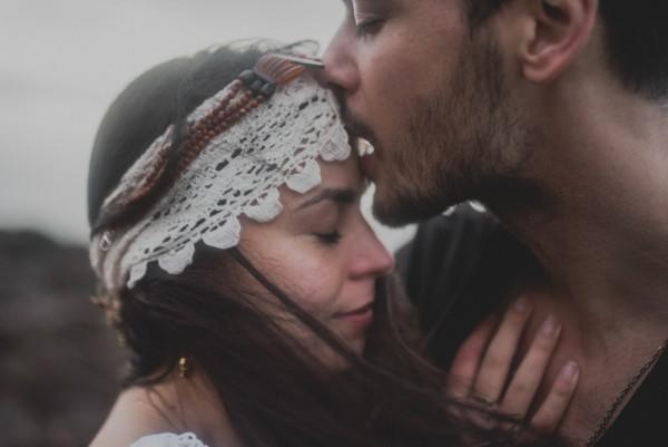 sensual-island-couple-portraits-in-portugal-31