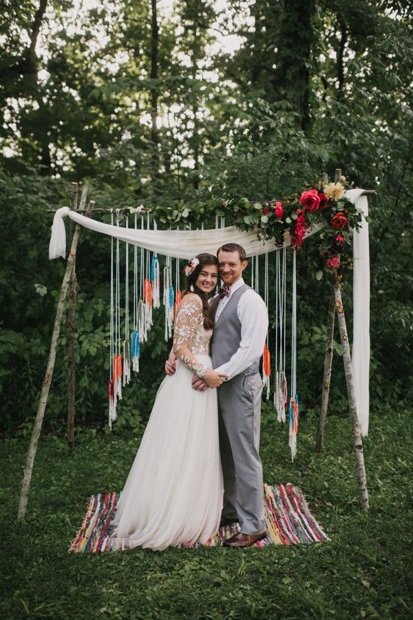 this-couple-diyed-the-heck-out-of-their-dream-wedding-at-mounds-state-park-11