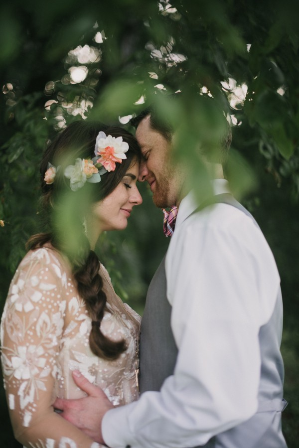 this-couple-diyed-the-heck-out-of-their-dream-wedding-at-mounds-state-park-15