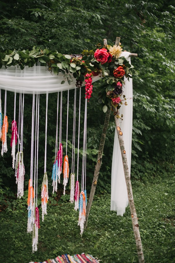 this-couple-diyed-the-heck-out-of-their-dream-wedding-at-mounds-state-park-22