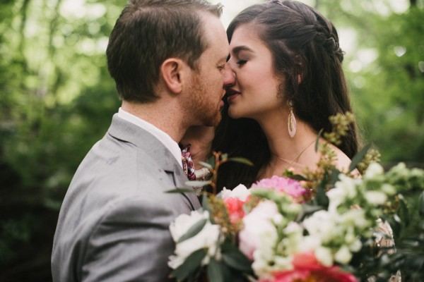 this-couple-diyed-the-heck-out-of-their-dream-wedding-at-mounds-state-park-29