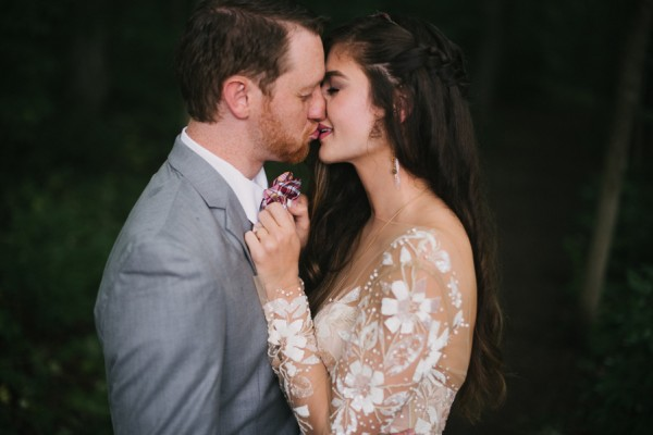 this-couple-diyed-the-heck-out-of-their-dream-wedding-at-mounds-state-park-31
