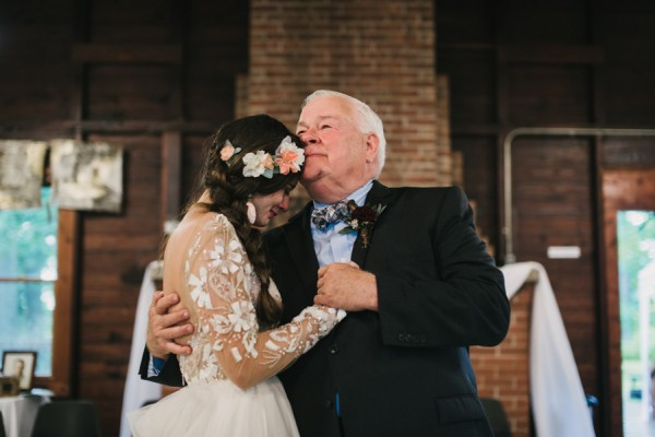 this-couple-diyed-the-heck-out-of-their-dream-wedding-at-mounds-state-park-4