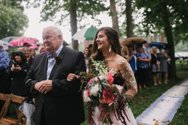 this-couple-diyed-the-heck-out-of-their-dream-wedding-at-mounds-state-park-41