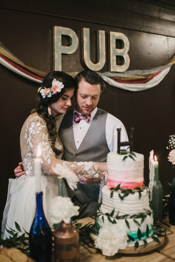 this-couple-diyed-the-heck-out-of-their-dream-wedding-at-mounds-state-park-6