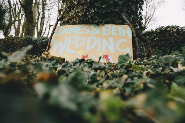 this-festive-english-marquee-wedding-is-the-definition-of-adorable-1