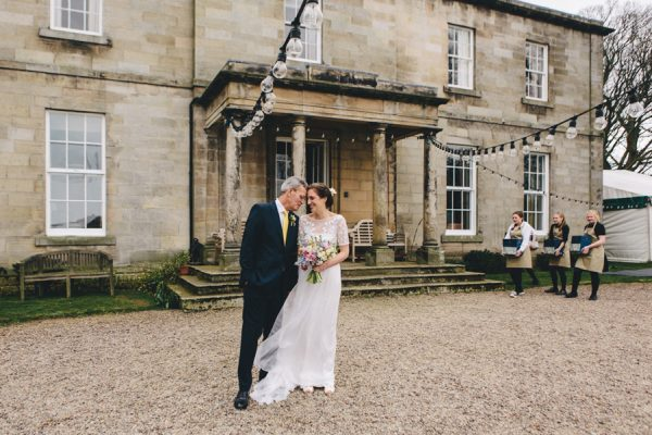 this-festive-english-marquee-wedding-is-the-definition-of-adorable-14