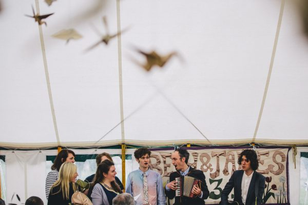 this-festive-english-marquee-wedding-is-the-definition-of-adorable-17