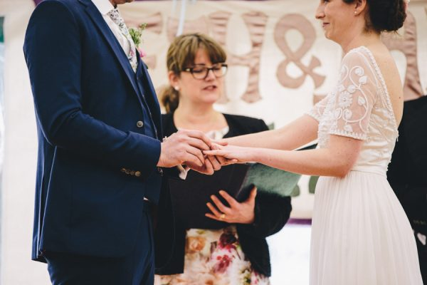 this-festive-english-marquee-wedding-is-the-definition-of-adorable-18