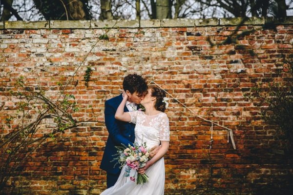 this-festive-english-marquee-wedding-is-the-definition-of-adorable-24