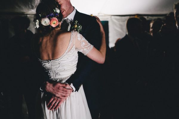 this-festive-english-marquee-wedding-is-the-definition-of-adorable-31