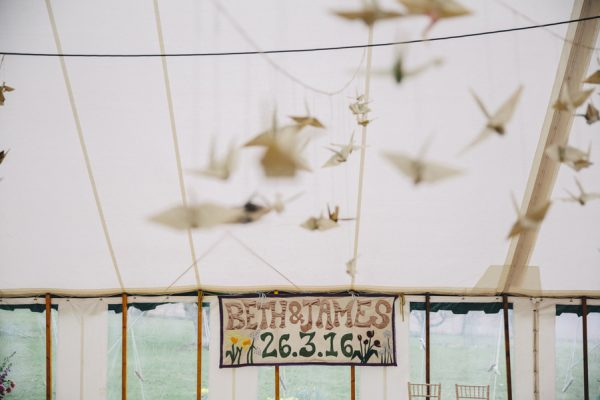this-festive-english-marquee-wedding-is-the-definition-of-adorable-4
