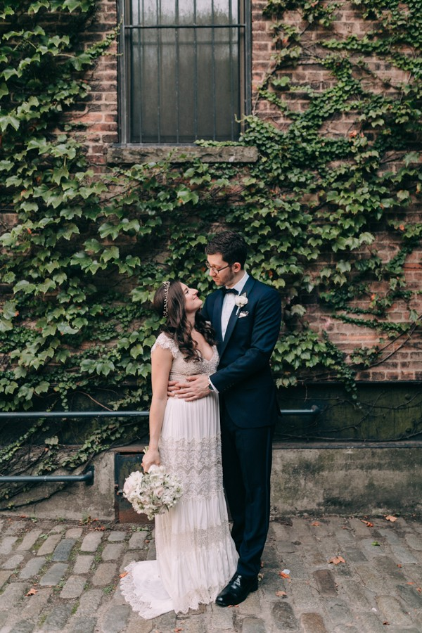 This Nyc Wedding At The Foundry Gets Modern Romance So Right Junebug Weddings