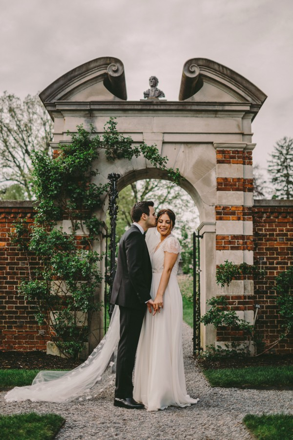 this-wedding-at-the-fox-hollow-is-full-of-elegant-whimsy-21