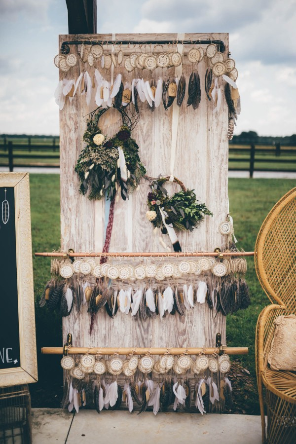 this-wedding-at-the-venue-at-tryphenas-garden-makes-antique-details-feel-totally-new-1