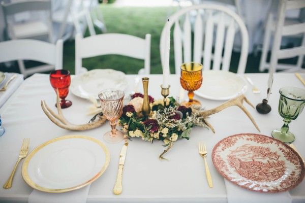 this-wedding-at-the-venue-at-tryphenas-garden-makes-antique-details-feel-totally-new-23