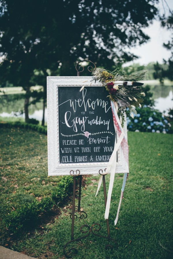 this-wedding-at-the-venue-at-tryphenas-garden-makes-antique-details-feel-totally-new-31