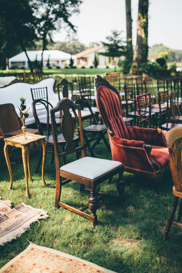 this-wedding-at-the-venue-at-tryphenas-garden-makes-antique-details-feel-totally-new-34