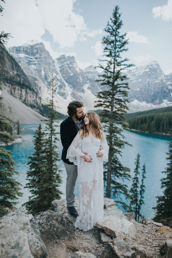 this-well-dressed-couple-in-their-banff-engagement-is-pure-eye-candy-13
