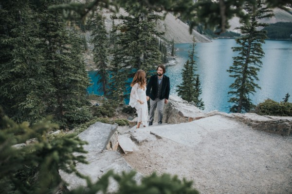 this-well-dressed-couple-in-their-banff-engagement-is-pure-eye-candy-16