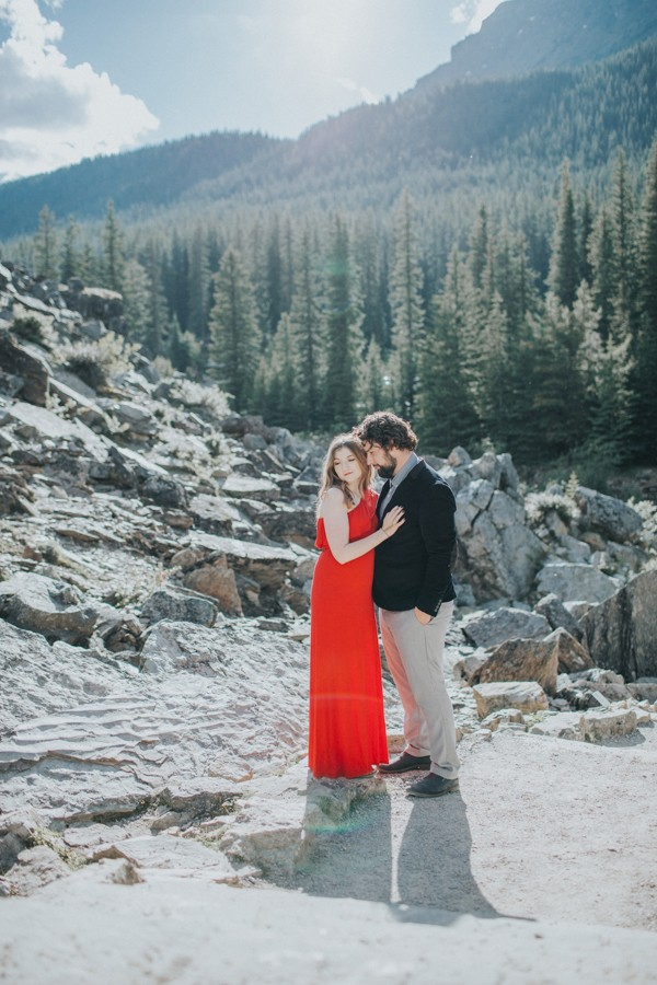this-well-dressed-couple-in-their-banff-engagement-is-pure-eye-candy-21