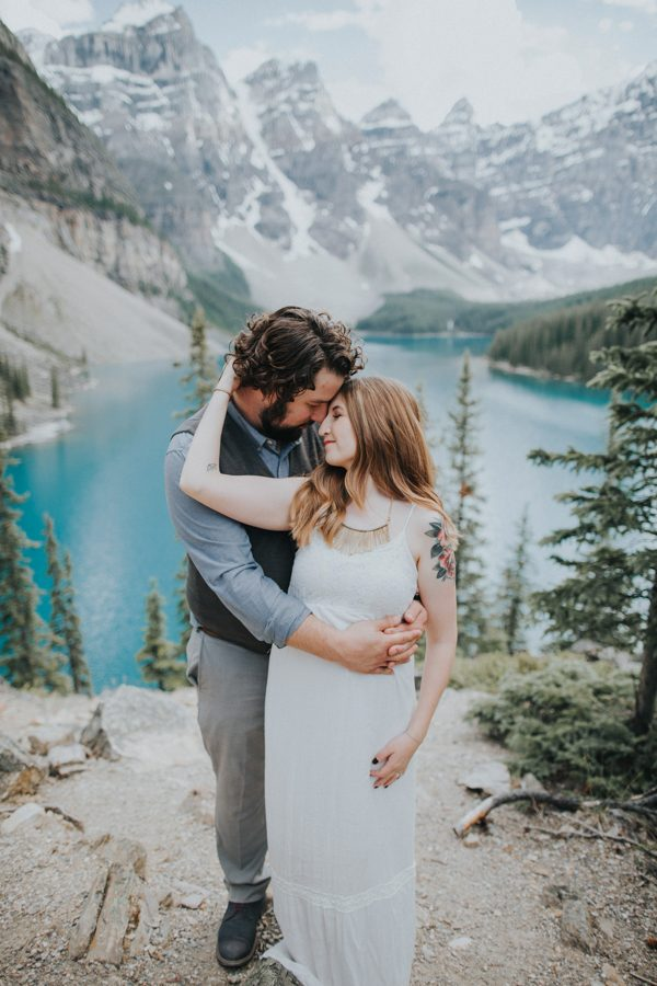 this-well-dressed-couple-in-their-banff-engagement-is-pure-eye-candy-7
