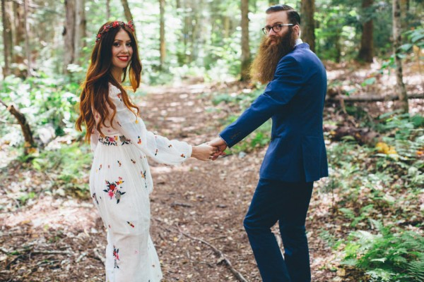 whimsical-glam-londonderry-vermont-wedding-in-the-woods-17