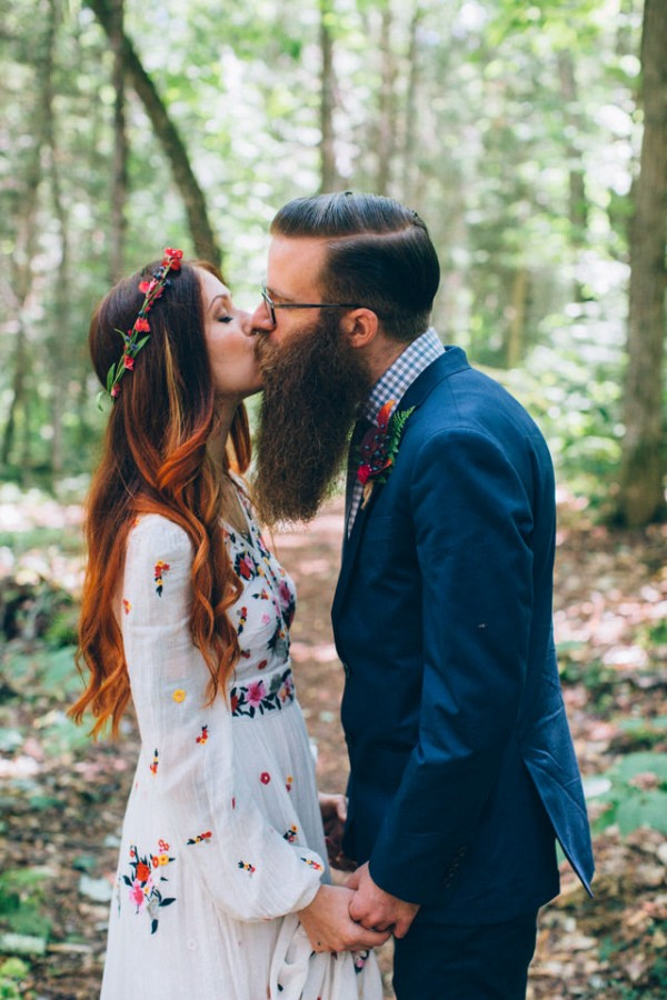 whimsical-glam-londonderry-vermont-wedding-in-the-woods-19