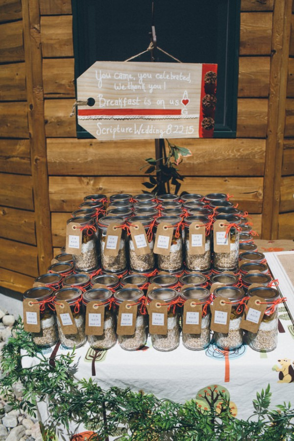 whimsical-glam-londonderry-vermont-wedding-in-the-woods-28