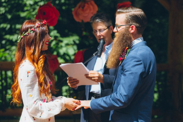 whimsical-glam-londonderry-vermont-wedding-in-the-woods-36