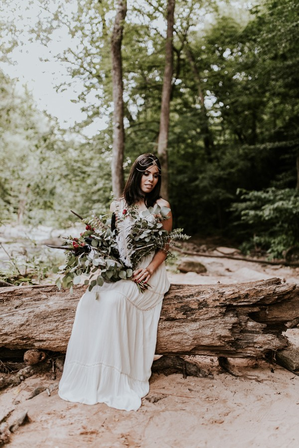 who-knew-bridal-portraits-in-a-creek-could-be-this-gorgeously-ethereal-1