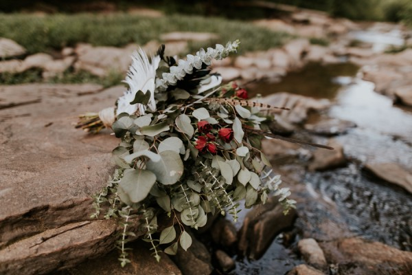 who-knew-bridal-portraits-in-a-creek-could-be-this-gorgeously-ethereal-19