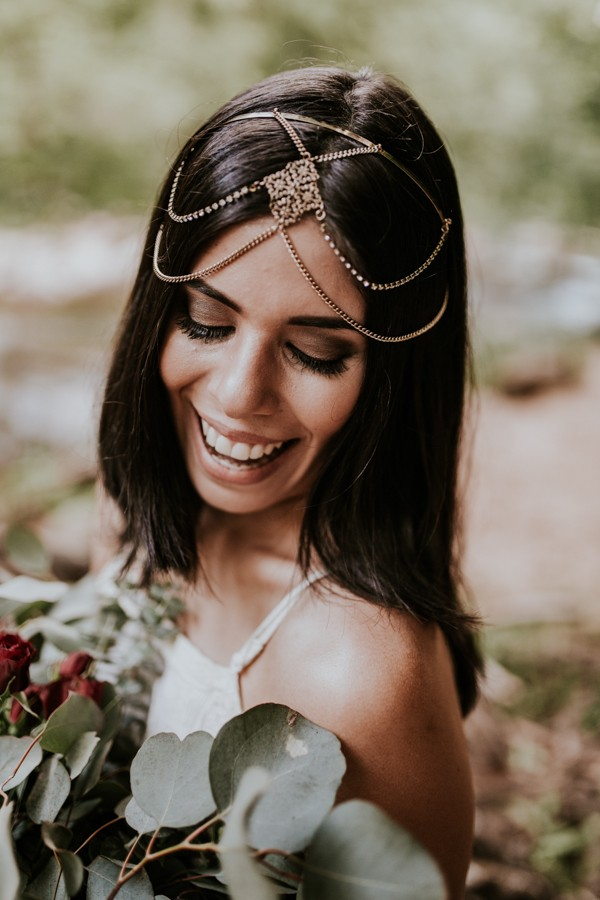 who-knew-bridal-portraits-in-a-creek-could-be-this-gorgeously-ethereal-6