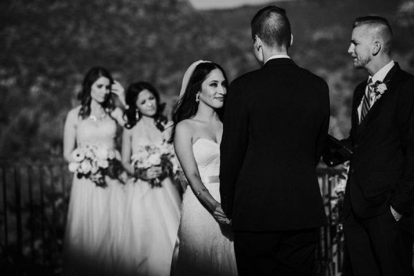 44-guests-celebrated-in-an-organic-candlelit-wedding-at-lauberge-de-sedona-17