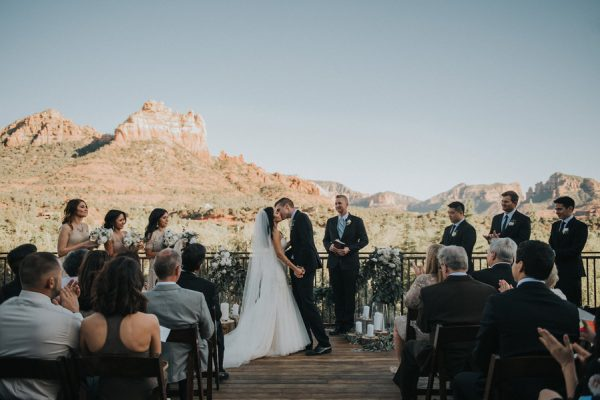 44-guests-celebrated-in-an-organic-candlelit-wedding-at-lauberge-de-sedona-19