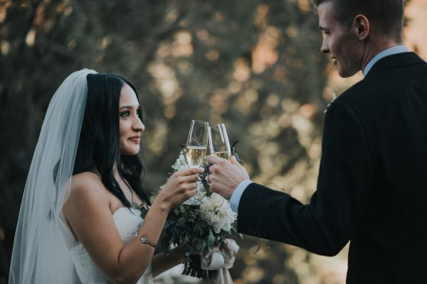 44-guests-celebrated-in-an-organic-candlelit-wedding-at-lauberge-de-sedona-22