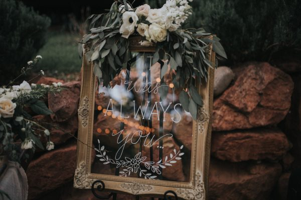 44-guests-celebrated-in-an-organic-candlelit-wedding-at-lauberge-de-sedona-33