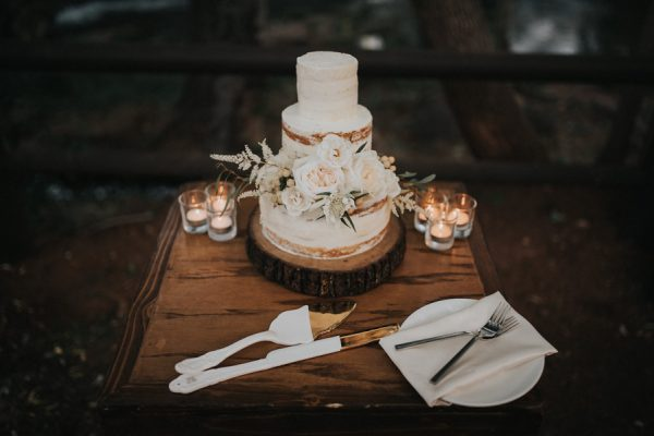 44-guests-celebrated-in-an-organic-candlelit-wedding-at-lauberge-de-sedona-38