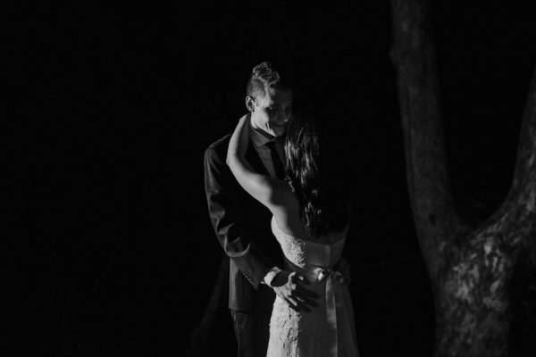 44-guests-celebrated-in-an-organic-candlelit-wedding-at-lauberge-de-sedona-41