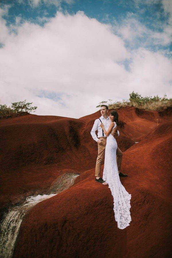 This-Jaw-Dropping-Waimea-Canyon-Wedding-Hawaii-Like-Youve-Never-Seen-Before-24-600x900