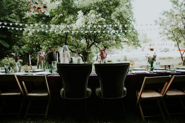 a-folksy-ohio-wedding-at-grandma-and-grandpas-house-16
